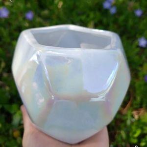 White Iridescent planter/pot